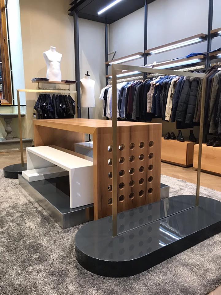 Arredamenti per negozi su misura